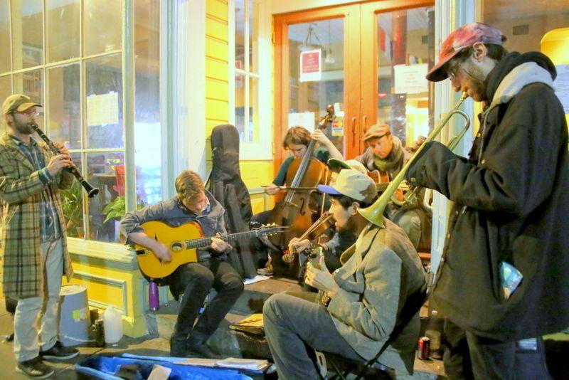 ニューオーリンズ「フレンチメン ストリート」は地元の音楽好きが通う場所