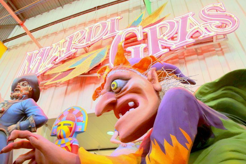 ニューオーリンズ「マルディグラワールド」で365日お祭り気分!