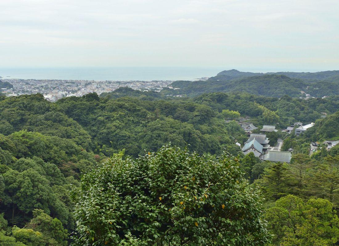 勝上嶽の半僧坊と展望台