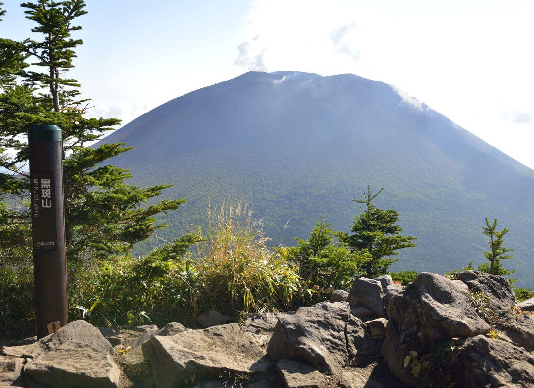 黒斑山の展望地・トーミの頭と山頂