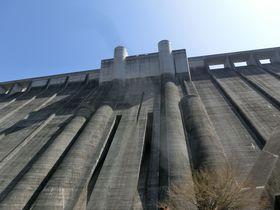 いろいろな高さから眺めよう!岐阜県恵那市「小里川ダム」|岐阜県|トラベルjp<たびねす>