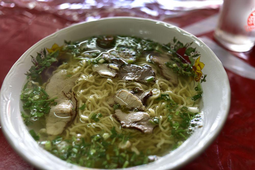 ラオスの中華麺は「卵入り」が人気!