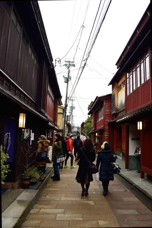 趣ある金沢の「小京都」ひがし茶屋街を散策する