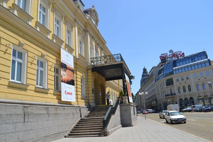 ブルガリア初の国立美術館と国立民俗博物館
