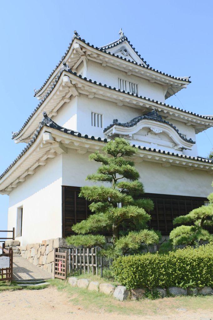 街のシンボル「丸亀城」は意外とかわいいお城