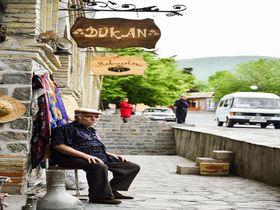 シルクロードを往け!アゼルバイジャン隊商宿のある街シェキ