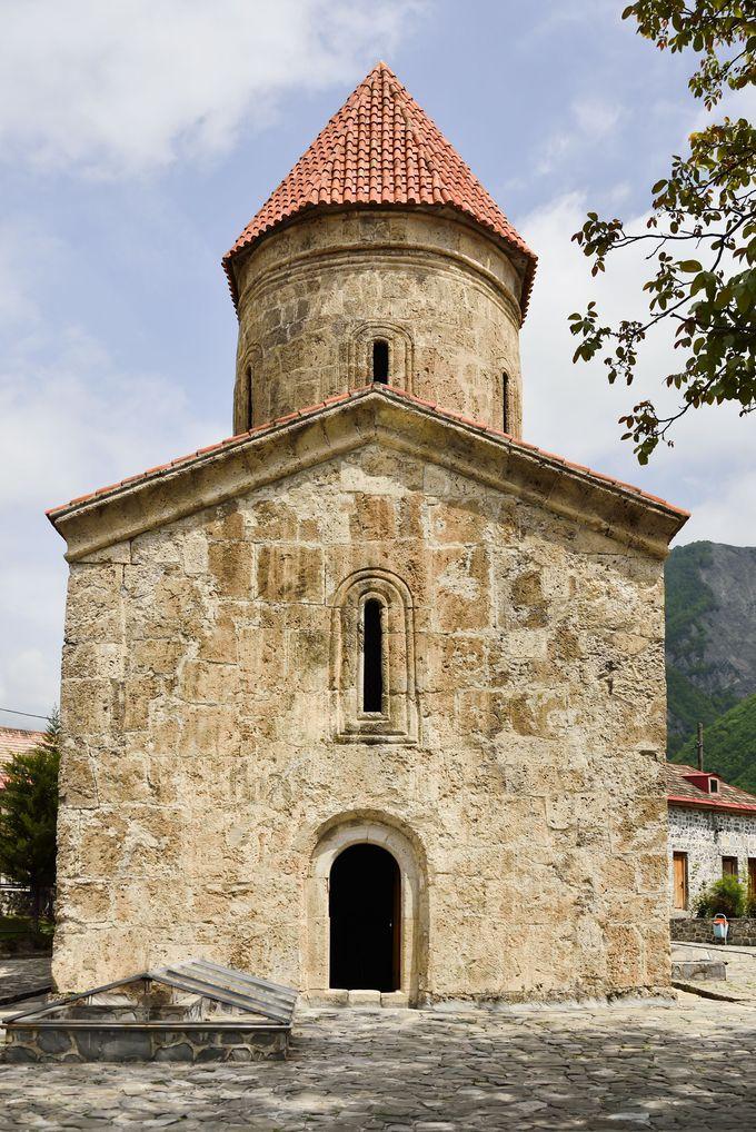 2000年近い歴史!キシュ村の古代アルバニア教会も必見