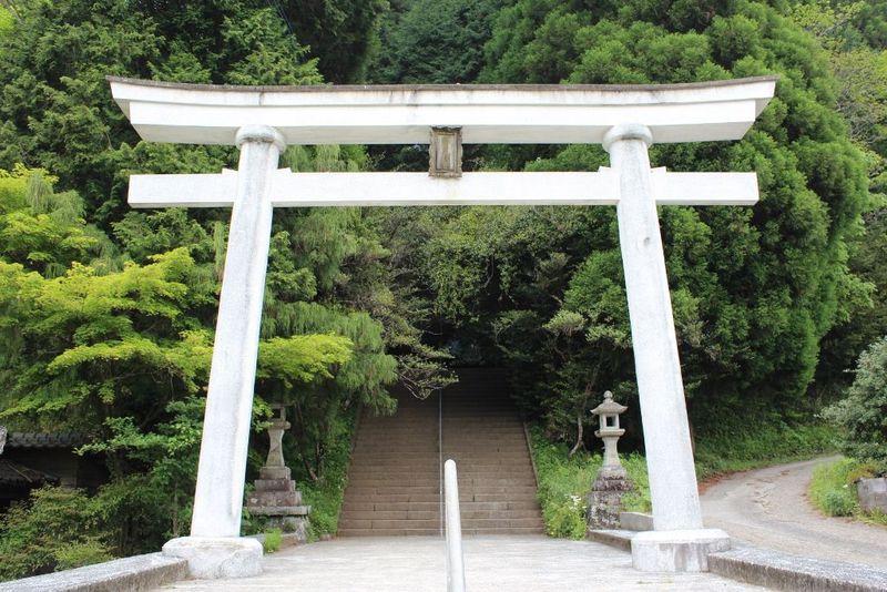 日本最古の神社で底知れぬパワーを!最強のパワースポット 熊本県山都町「幣立神宮」