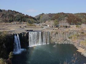 東洋のナイアガラ「原尻の滝」~日本の原風景と自然の力を感じる名瀑~大分県豊後大野市|大分県|トラベルjp<たびねす>