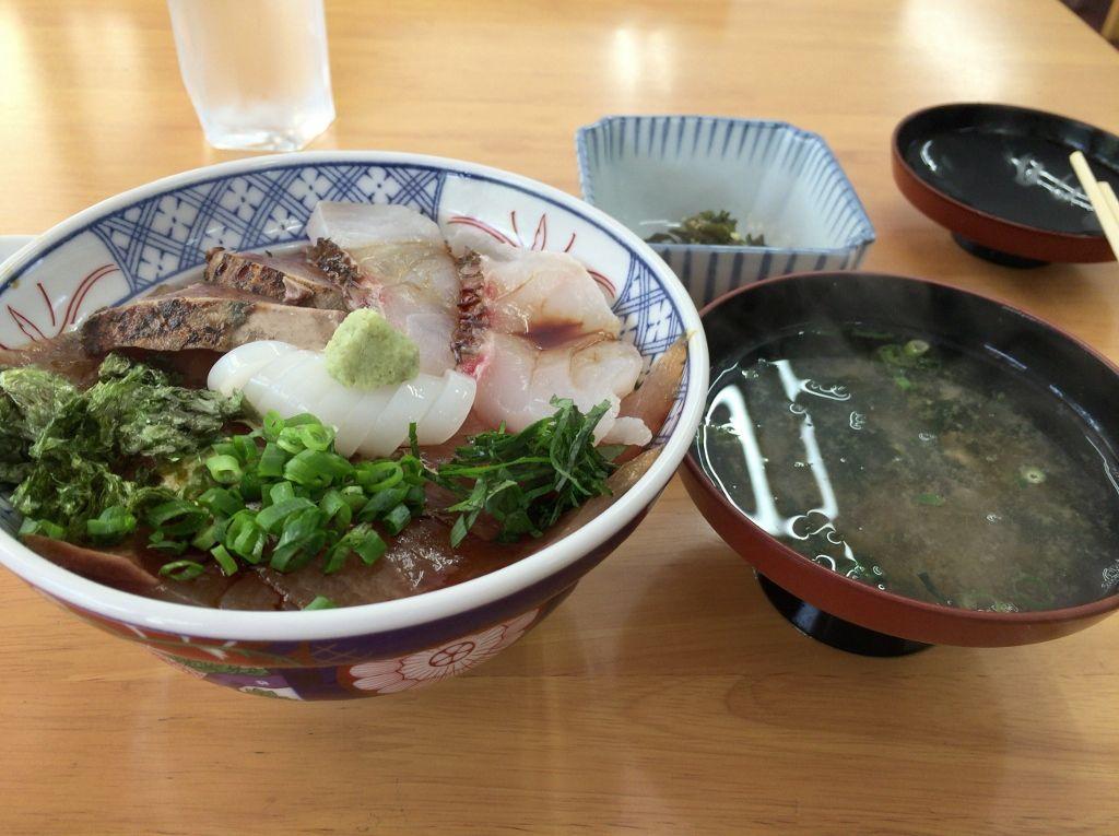 日御碕名物「みさき丼」