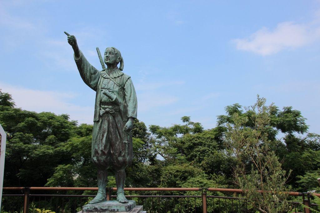 史実を元に彫刻された天草四郎像