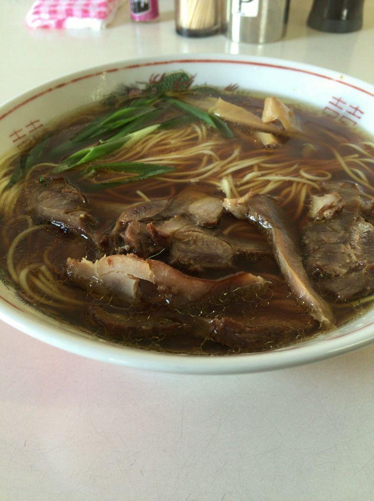 鶏肉のチャーシューとあっさりスープが病みつき「笠岡ラーメン」
