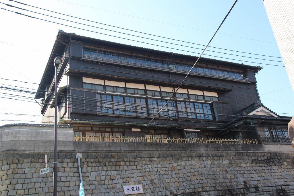 九州最大級の木造三階建て建屋「三宜楼」