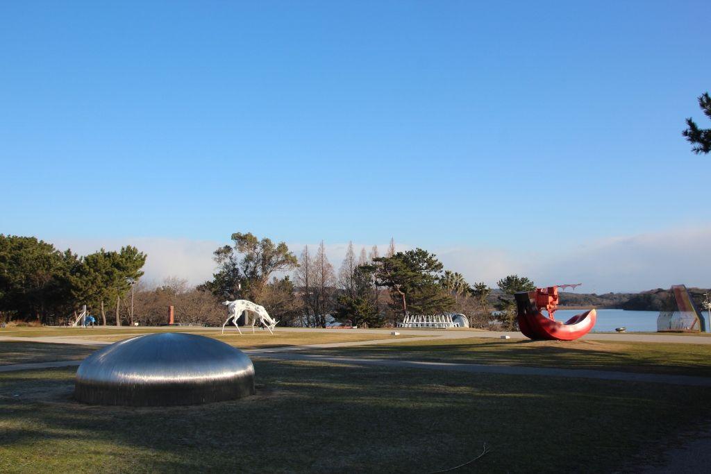 自然と調和する作品が並ぶ「ときわ野外ミュージアム」