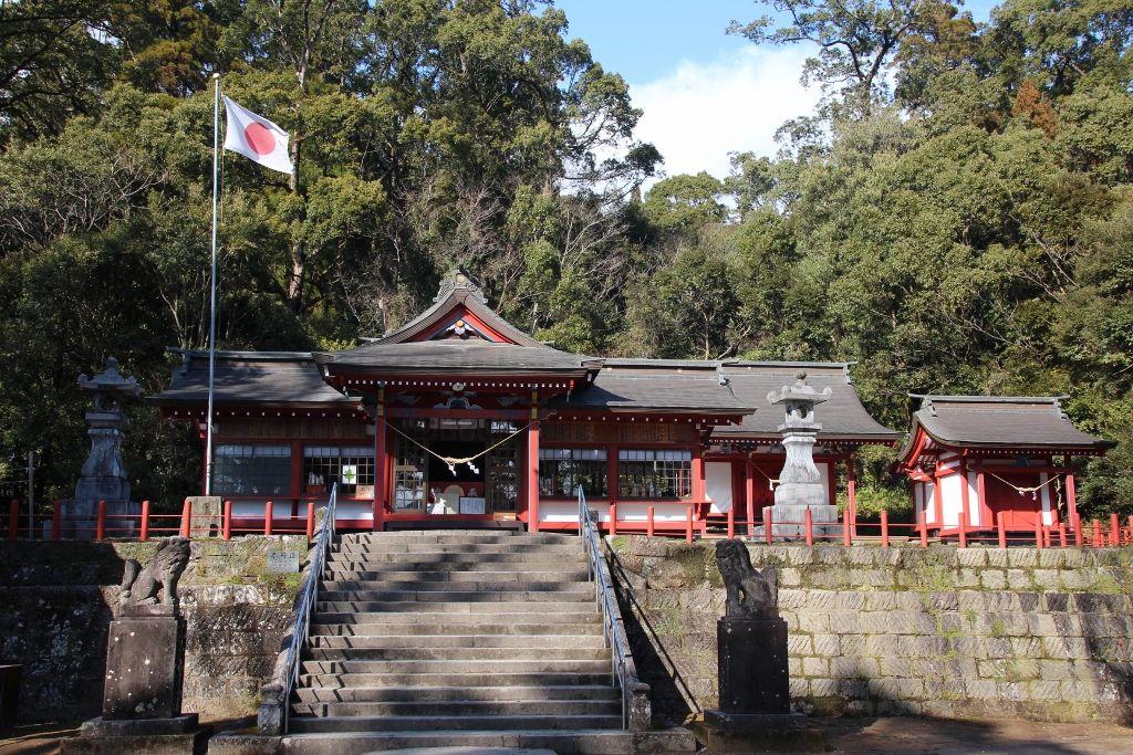 学問・芸術そして安産の神を祀る「蒲生八幡神社」