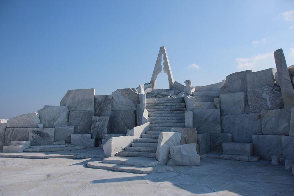 イタリア産大理石でできた耕三寺博物館「未来心の丘」