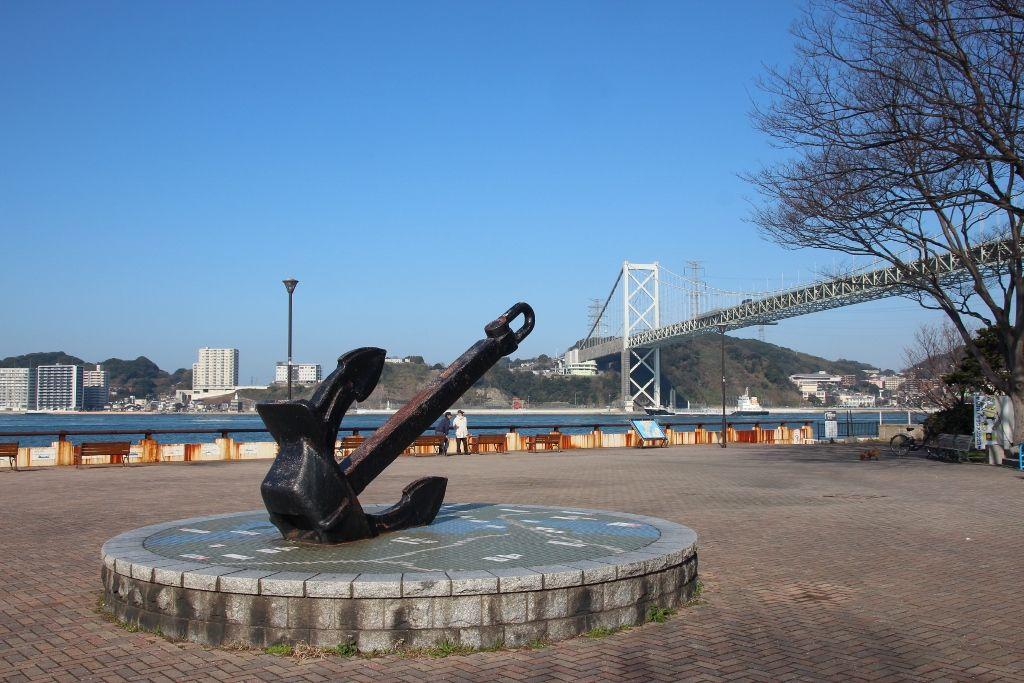 関門橋が一望できるノーフォーク広場