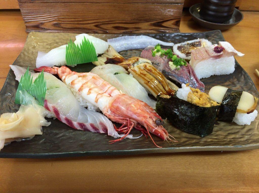 ネタの大きさにびっくり!「錦寿司」