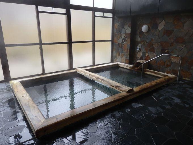 薪ストーブのある共同浴場「ほたるの湯」