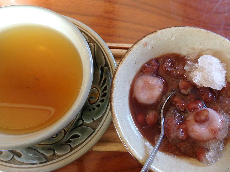 さんぴん茶に沖縄ぜんざい!「壺屋やちむん通り」でまったりカフェタイム