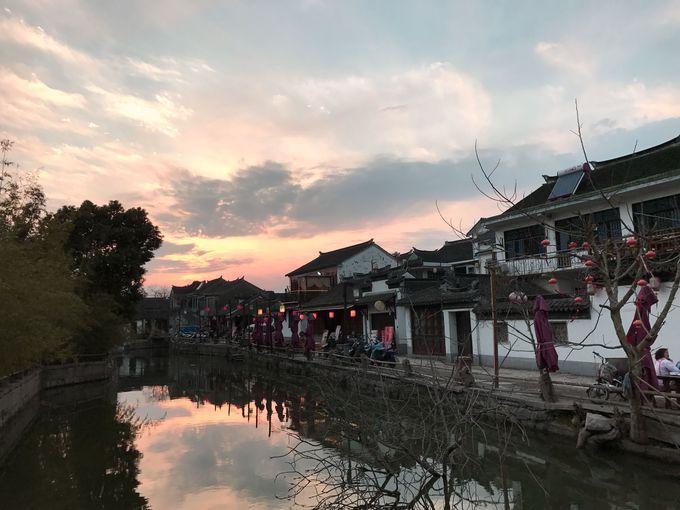 古き良き中国のイメージそのまま!水辺の夕景