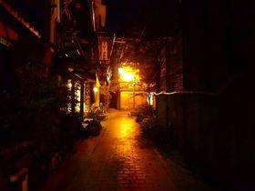 石畳の角を曲がれば大正浪漫!長野・渋温泉「御宿 ひしや寅蔵」の世界にひたる|長野県|トラベルjp<たびねす>