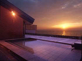 蕎麦屋さんに日本海一望の露天風呂!新潟・瀬波温泉「磐舟」|新潟県|トラベルjp<たびねす>