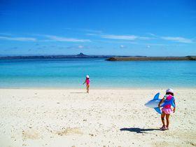この絶景ビーチが見たければ朝一番の船で!沖縄「水納島」|沖縄県|トラベルjp<たびねす>