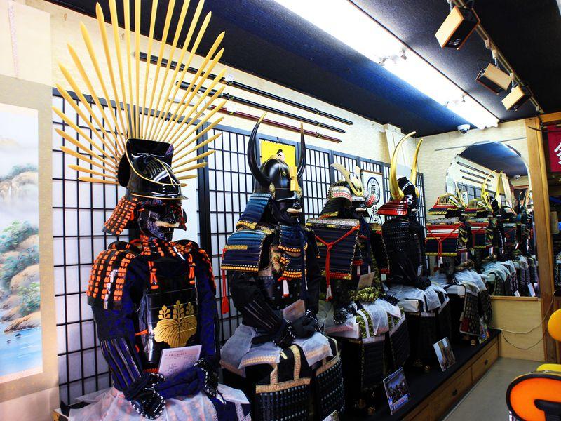 着られる甲冑は男のロマン!東京「鎧の光山堂」で戦国武将を極めろ!