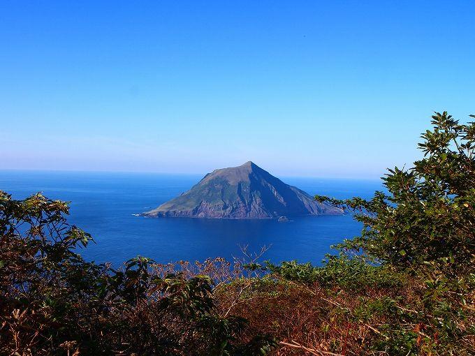 快適な八丈富士の山麓一周ドライブ