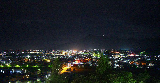 むつグランドホテルから眺めるむつ市の夜景