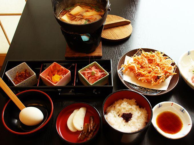由比に来たら旬の産地メシ「桜えび料理」は必食!