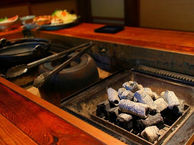 古民家に囲炉裏、懐かしい雰囲気の秘湯・かやぶきの郷 薬師温泉旅籠