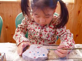 草津温泉の不思議体験!百年石を「環境体験アミューズメント」で作ろう
