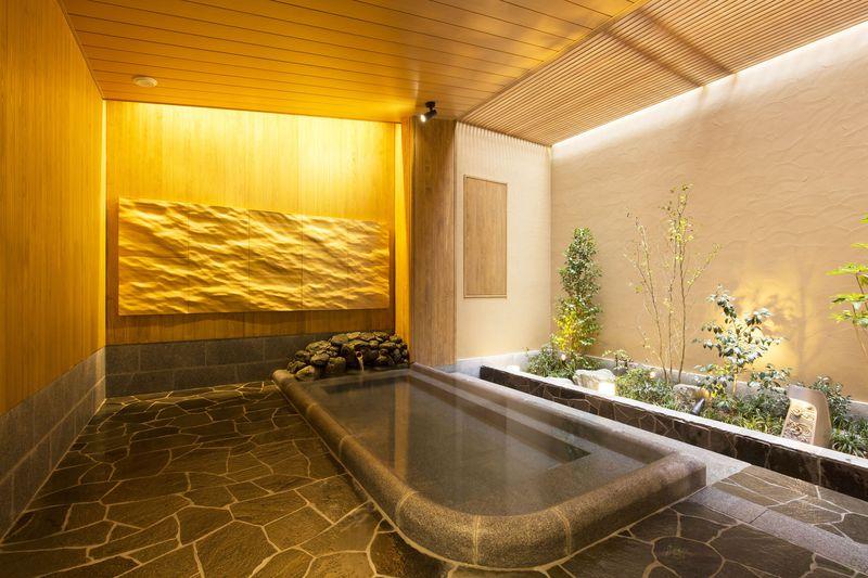プロジェクションマッピングも!飛鳥乃湯泉の浴室