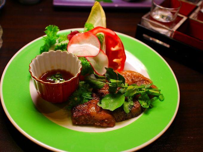 信州牛やワカサギを楽しむ「朱白」の食事