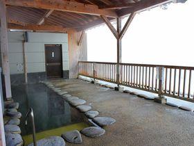 新潟「松之山温泉 鷹の湯」は気軽に立ち寄りたい共同浴場