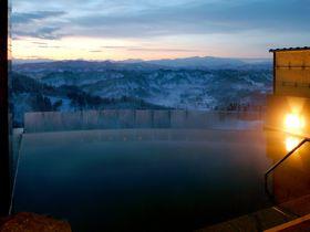 新潟「まつだい芝峠温泉 雲海」は家族で行きたい絶景露天風呂