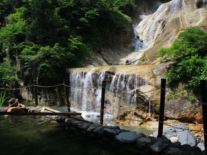 石川・白山麓のワイルド露天風呂3選―絶景も混浴もお任せ!