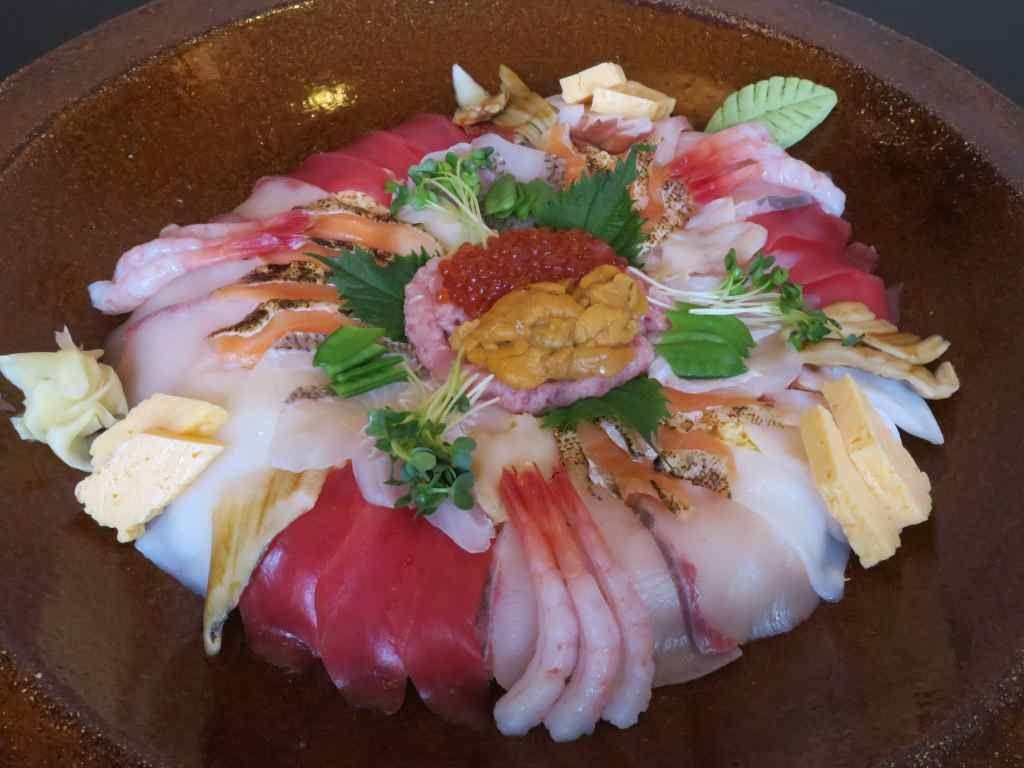 目指せ賞金!ほうせい丸「海鮮チャレンジ丼」