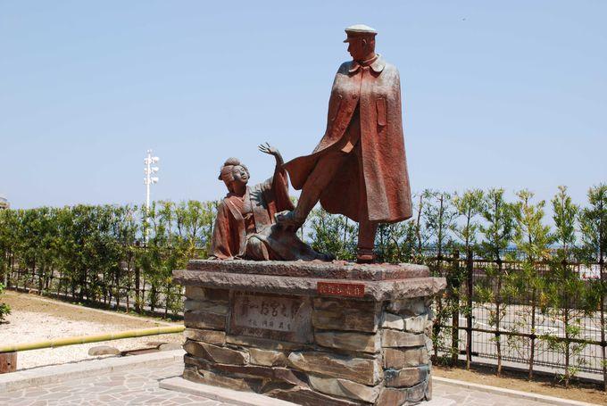国道沿いにあるお宮の松と貫一・お宮の像を発見!!
