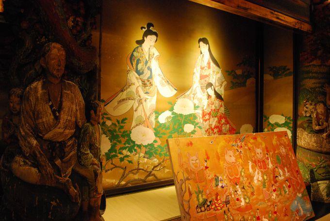 東京都有形文化財『百段階段』は各部屋自体が美術品。