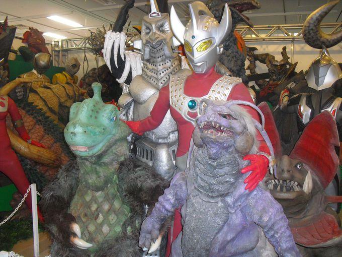 1348体の怪獣たちがギュウギュウに詰まっている場内では、子供たちが大興奮!!