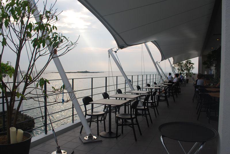 まるで海の上に浮かぶレストラン!?神奈川・佐島「MARINE&FARM」