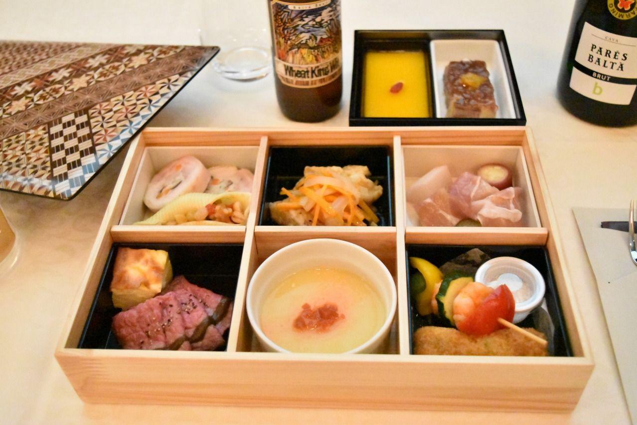 往路の料理は伊豆の特産物がいっぱい詰まった『ワンボックスランチ』