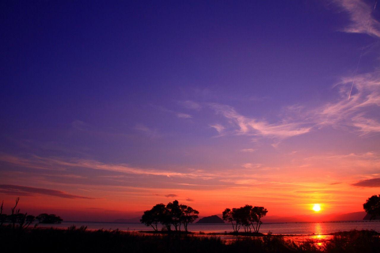 滋賀・琵琶湖で夕陽待ちするならココ!「湖北みずどりステーション」