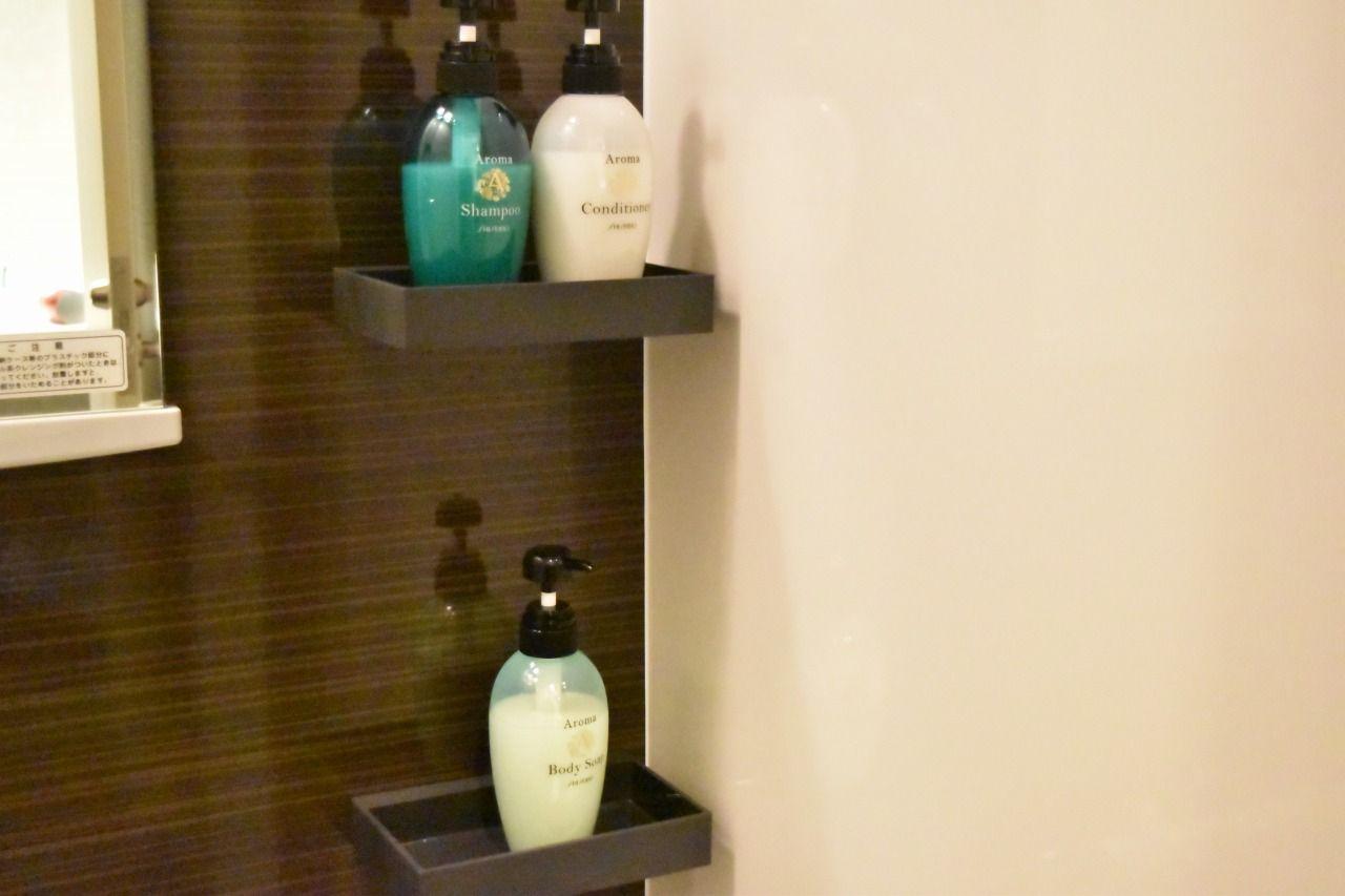 広々としたシャワーラウンジや清潔なシャワールームで快適!