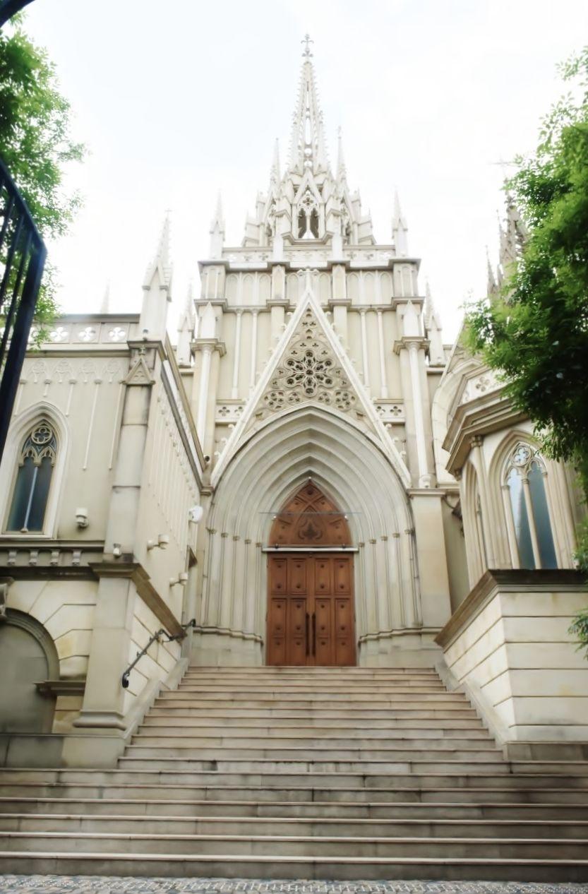 美しく神聖な「グレース大聖堂」はまるでお城のよう!