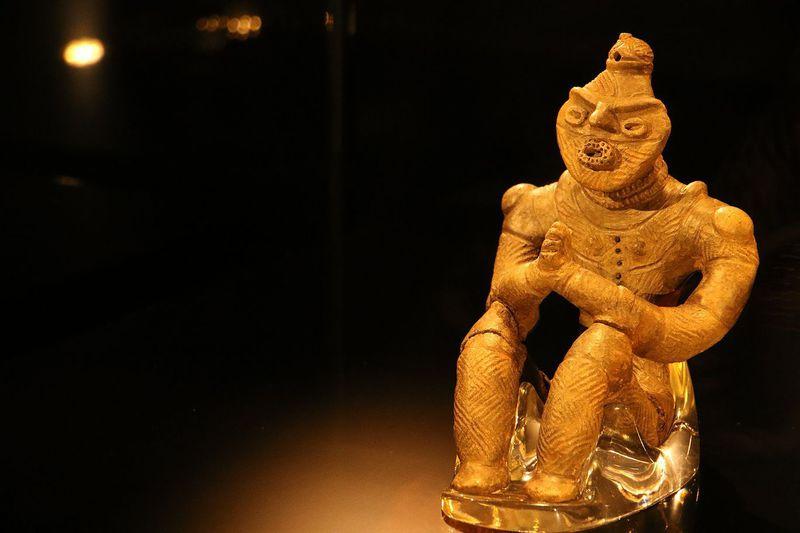 3600年前にあのポーズ?!八戸市・是川縄文館の国宝「合掌土偶」を見に行こう
