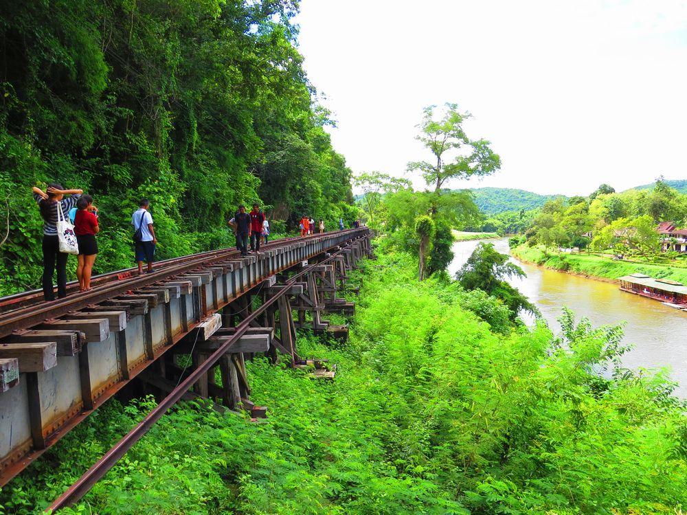 アルヒル桟道橋を歩く!タイのカンチャナブリで泰緬鉄道を体感しよう